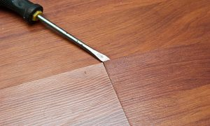 Почему вздулся ламинат и как это исправить
