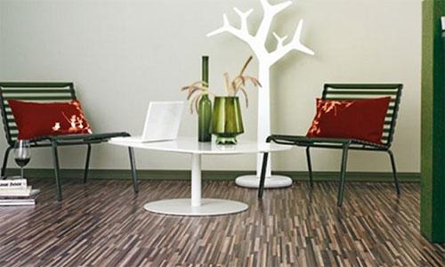 Как подобрать плинтус для ламината к мебели