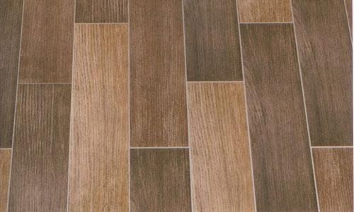 Ламинат, уложенный на деревянный пол