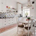 Сочетание плитки и ламината на кухне