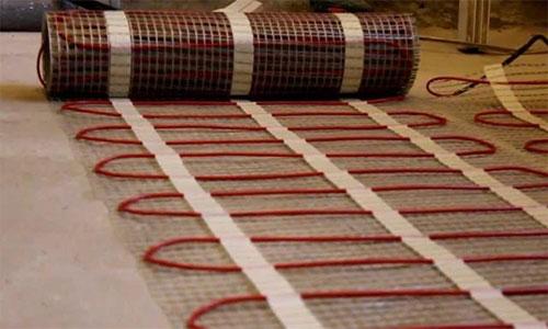 Электрические тонкие маты укладываются без стяжки