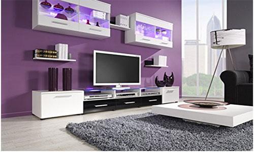 Фиолетовые обои в сочетании с ламинатом